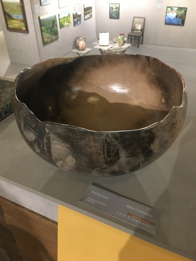 Hutchinson - Pinched bowl - 425$