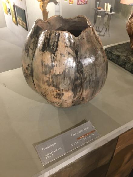 Hutchinson - Pinched pot - 325$